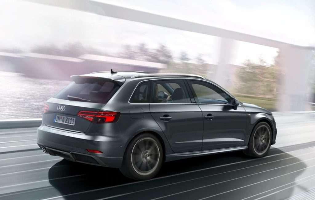 carrocería en movimiento del Audi A3 coche familiar